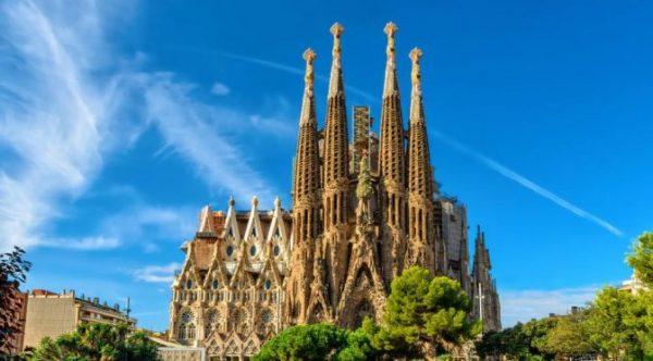 Barcelone La Sagrada Familia e1518033987780 - ORIGINE le dernier roman de Dan BROWN