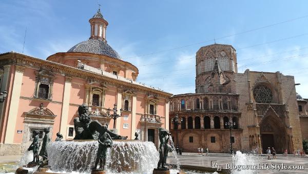 Place de la vierge Valence - Visiter Valence en 1 jour - Que faire et voir ?