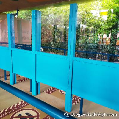 Disneyland Paris Palissades en plexiglass - Réouverture de Disneyland Paris : Les mesures prises contre le Covid-19