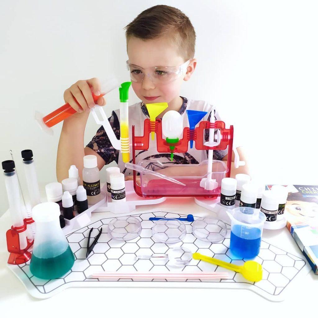 Buki Chimie Lab 1024x1024 - Ma sélection d'idées de cadeaux de Noël pour enfants et ados